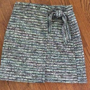 Faux wrap pull on skirt.  Xs. NWOT loft black